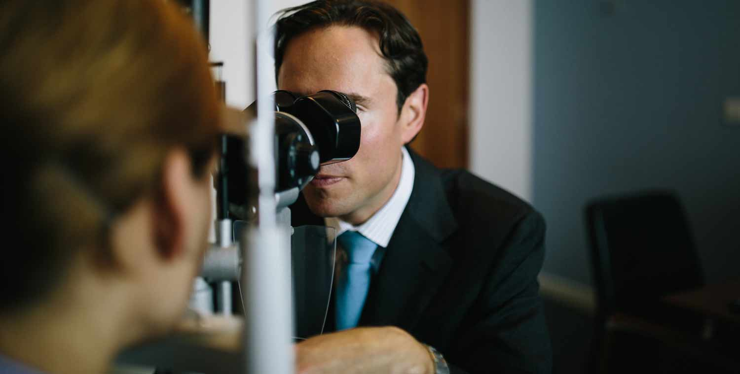 Eye examination with Allon Barsam following contact lens issues