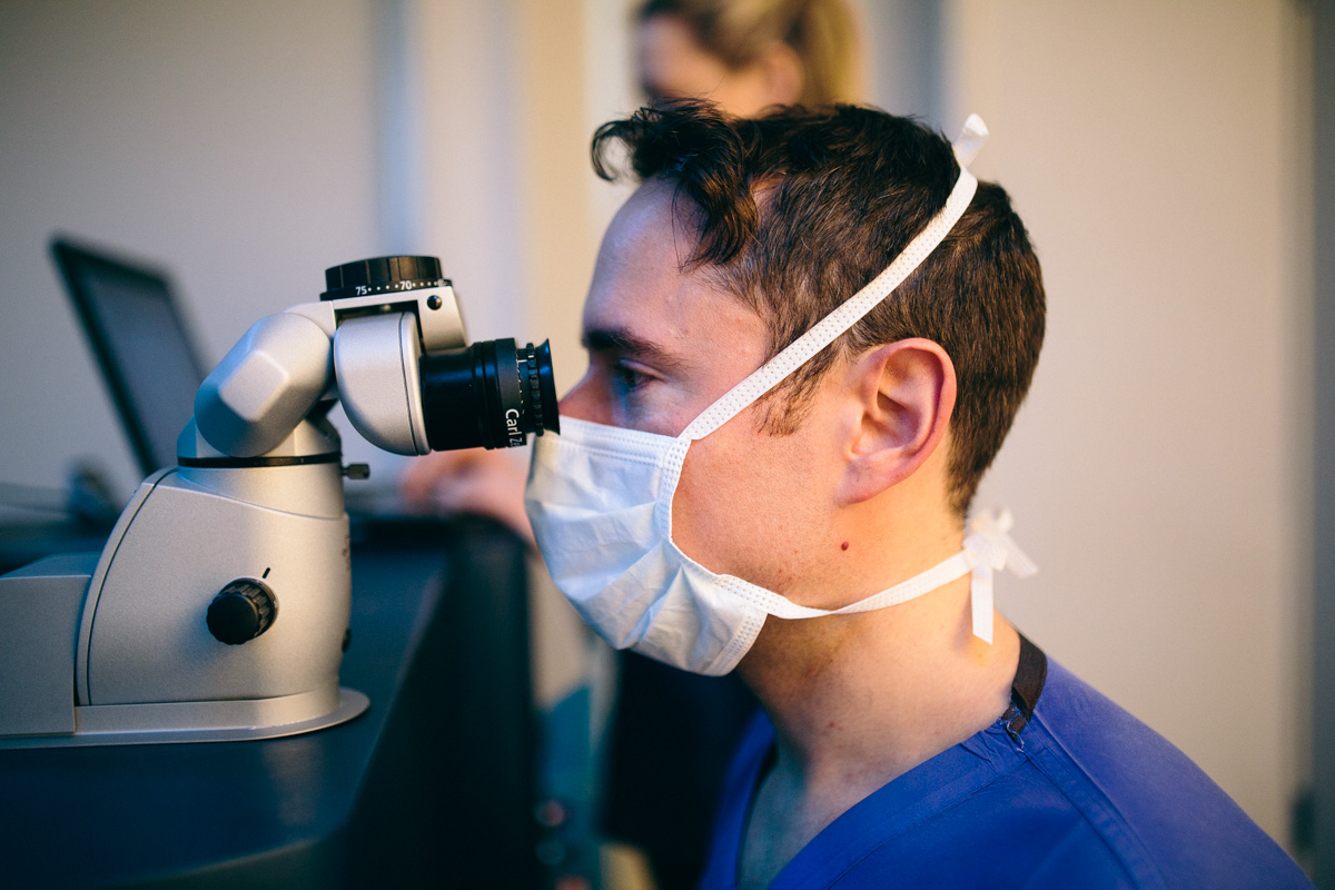 Allon Barsam looking into a cataracts eye: How long does cataracts last?